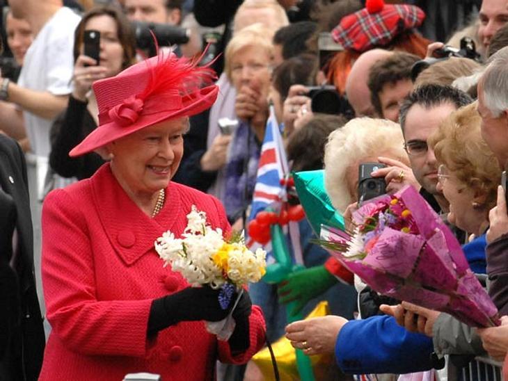 Jahresrückblick 2012 - Die schönsten Momente der StarsIm Sommer 2012 feierte Queen Elizabeth II. ihr 60. Thronjubiläum und ganz England feierte mit.