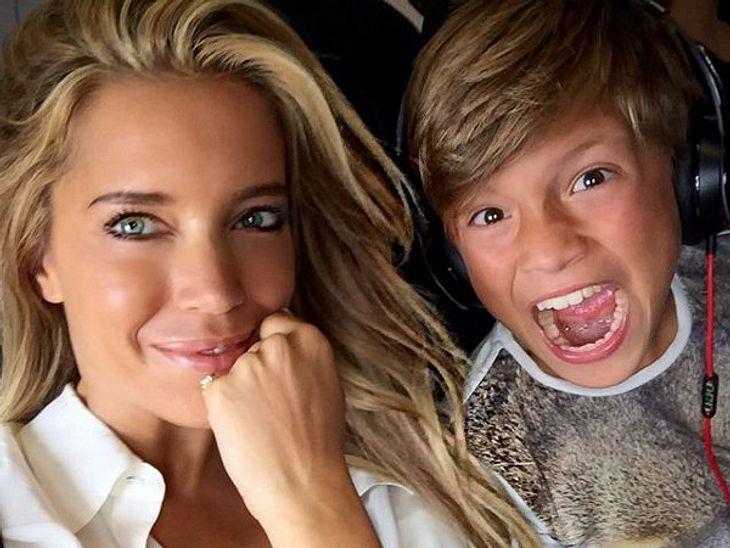 Sylvie Meis zeigt sich glücklich wie lange nicht auf ihrem Instagram-Account. Es geht mit Sohn Damian in den Urlaub!