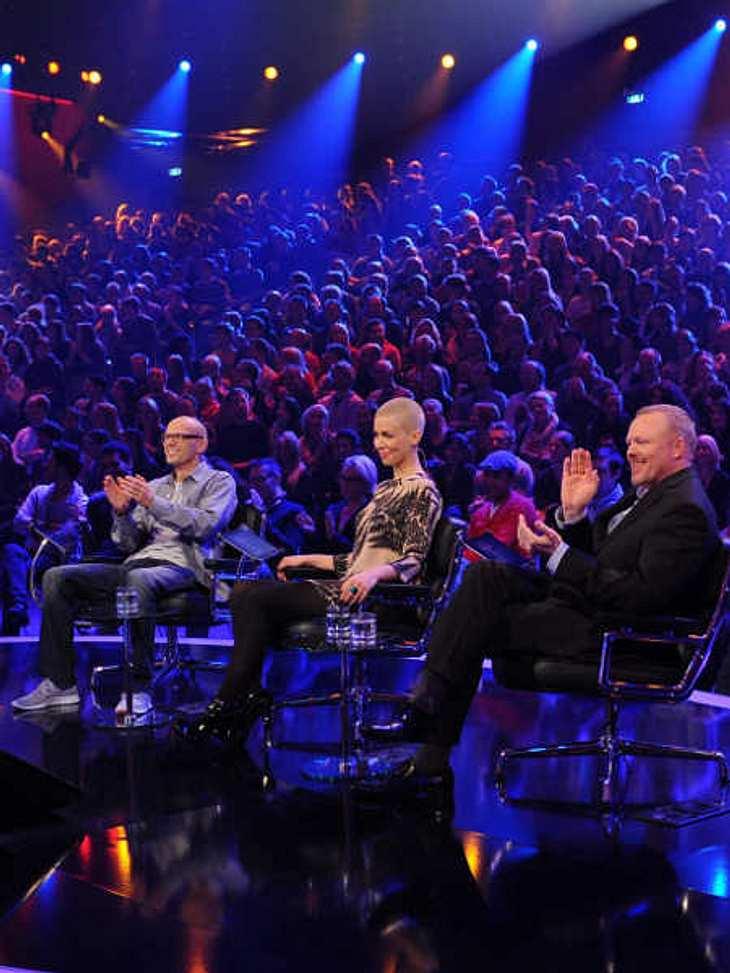 """Die Jury von """"Unser Star für Baku"""": Thomas D (""""Die Fantastischen Vier""""), Alina Süggeler (Sängerin von """"Frida Gold"""") und Stefan Raab (v. l. n. r.)"""