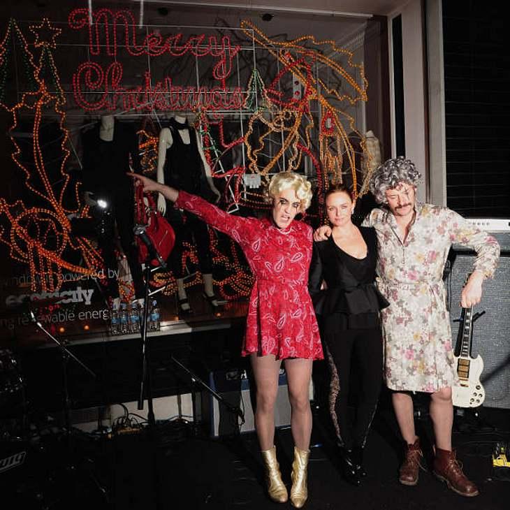 Stella McCartney hat sich zur Christmas-Party in ihrem Londoner Shop etwas ganz besonderes ausgedacht: Zur Einweihung der Weihnachtsbeleuchtung gab es eine schräge Party.
