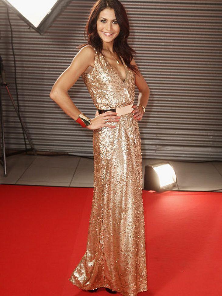 Gold und Pailletten gehen immer. Fiona Erdmann ist so perfekt fürs Fest gerüstet.