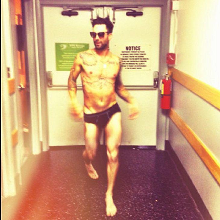 Adam Levine: Clown in Unterhose