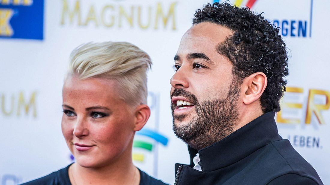 Adel Tawil und Freundin Lena verliebt auf einer Radio Preisverleihung