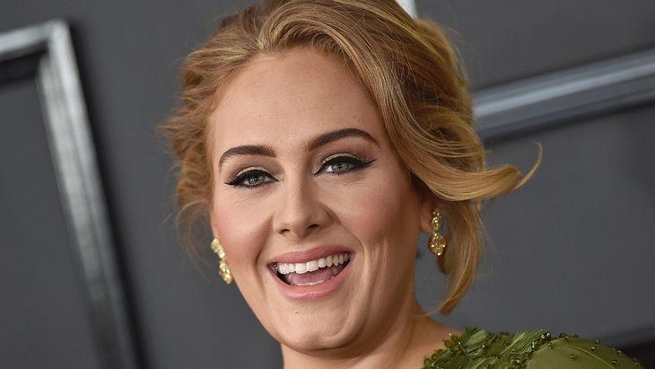 Adele vor dem Abnehmen mit der Sirtfood-Diät