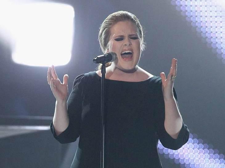 ,Adele bei ihrem Power-Echo-Auftritt.