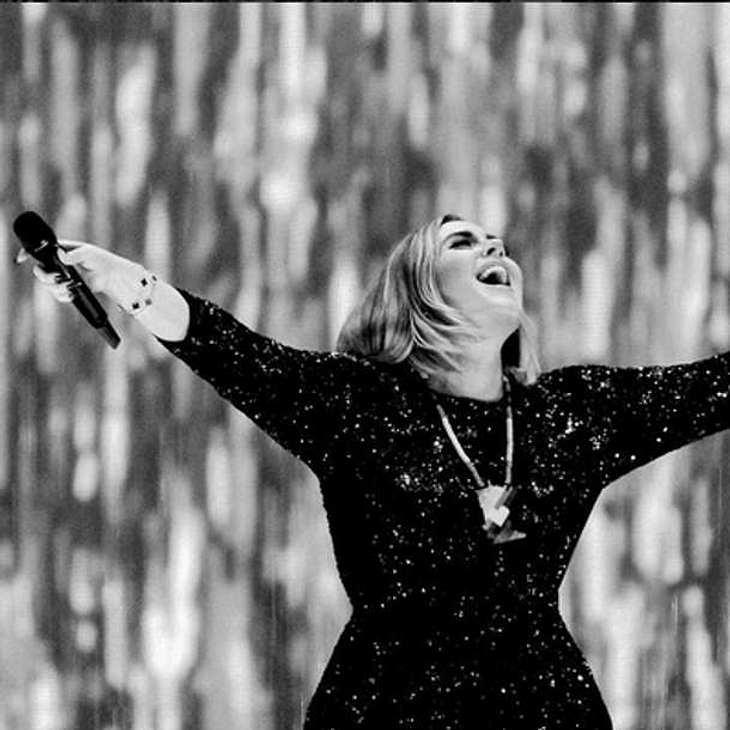 Adele Konfetti Konzert Jahrestag
