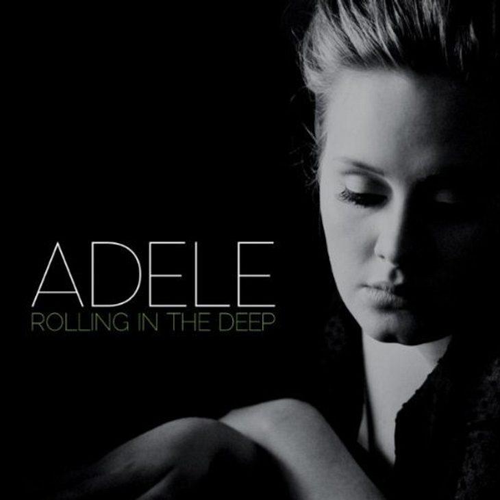 """Adele - """"Rolling In The Deep""""Das meint die WUNDERWEIB.de-Redaktion: """"Jedes mal, wenn das Lied im Radio gespielt wird, drehe ich es lauter und fange in der Küche, im Badezimmer oder im Wohnzimmer an zu tanzen."""" Adele - &q"""
