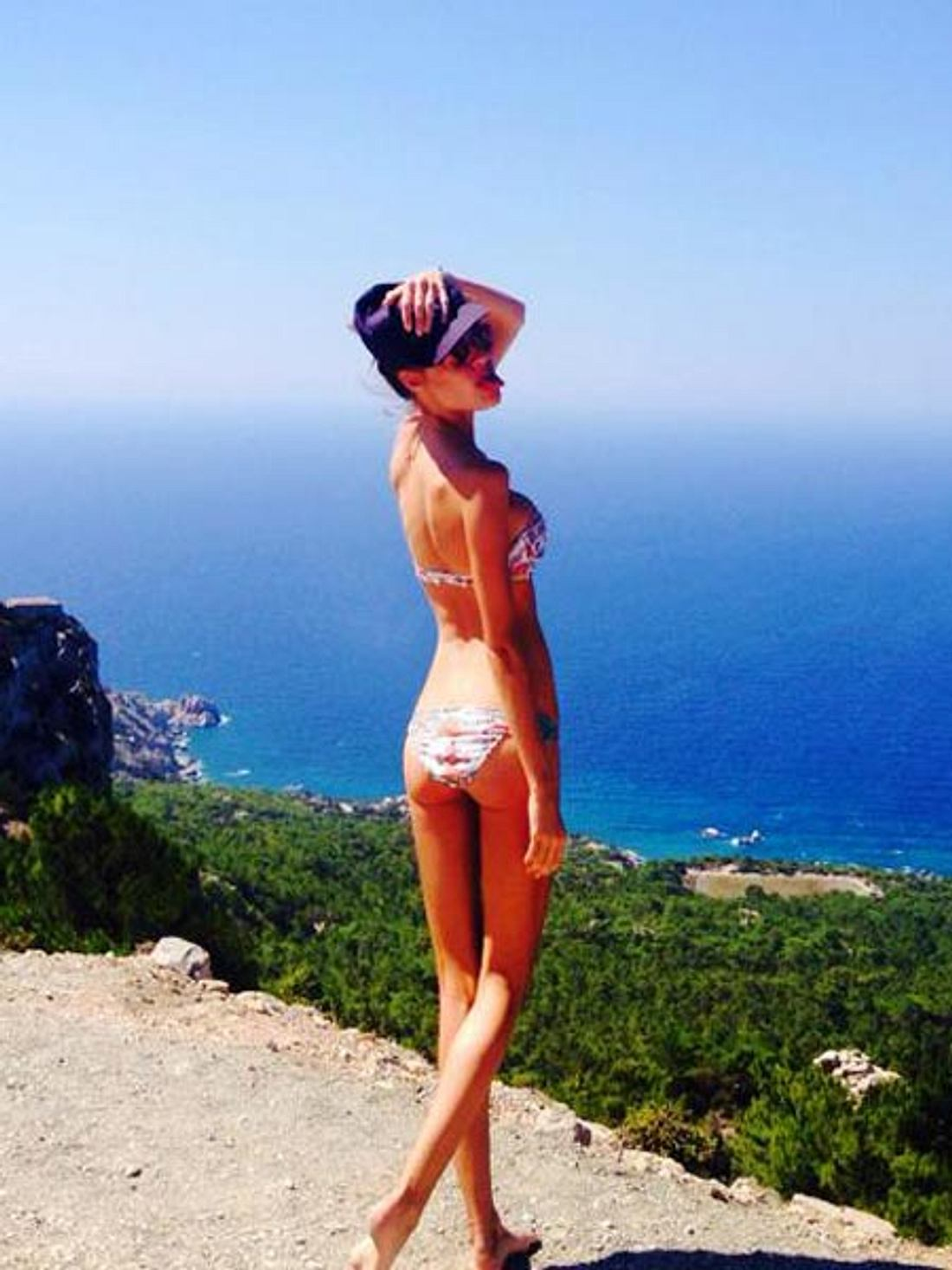 Alena Gerber posiert im Bikini
