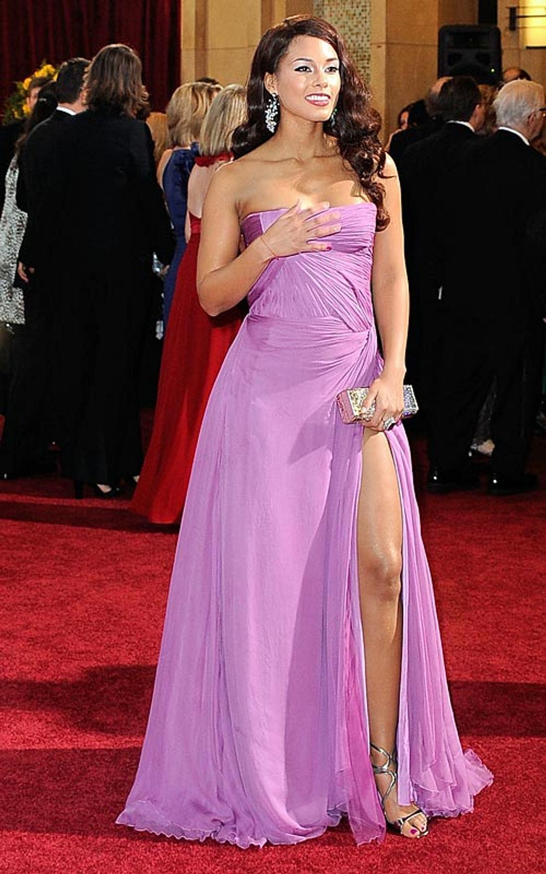 Promi-Kleider mit Schlitz: Zeigt her eure Beine! - Bild 1