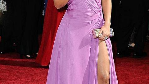 Promi-Kleider mit Schlitz: Zeigt her eure Beine! - Bild 1 - Foto: GettyImages