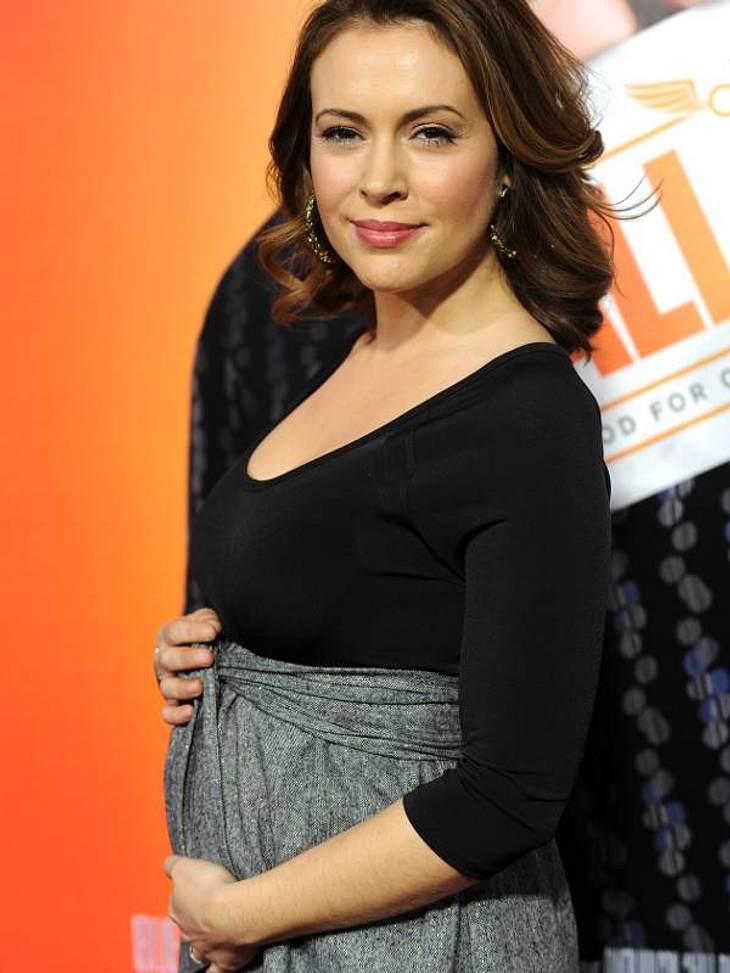 Schwangere Stars Alyssa Milano freut sich riesig auf ihr erstes Kind.