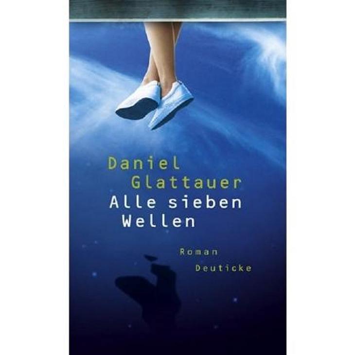 """""""Alle sieben Wellen"""" von Daniel GlattauerDas meint Jana von der WUNDERWEIB.de-Redaktion:Ich war ein bisschen traurig, als ich """"Gut gegen Nordwind"""" zu Ende gelesen hatte. Umso glücklicher war ich über Teil 2 der Email-Lov"""