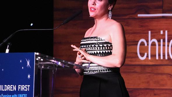 Alyssa Milano zeigte sich sehr emotional bei ihrer Rede - Foto: Getty Images