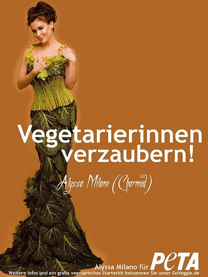 """Sexy Tierschutz: Stars für """"Peta""""Als Anzeigen-Model für """"Peta"""" 2006 verzauberte die bekennende Vegetarierin Alyssa Milano in einem bodenlangen Traumkleid aus Salat- und Kohlblättern und einem Spargel-Mieder die ganze Wel"""