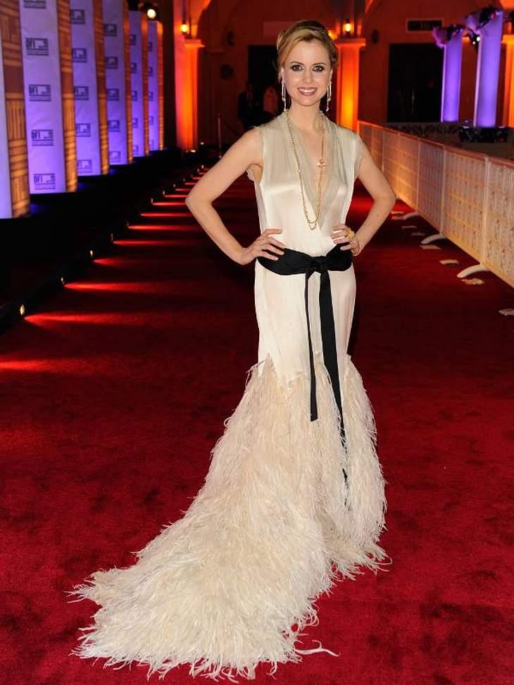 Die Luxus-Ballkleider der StarsAmanda Palmer mit Federschleppe beim Doha -Tribeca-Filmfestival 2010.