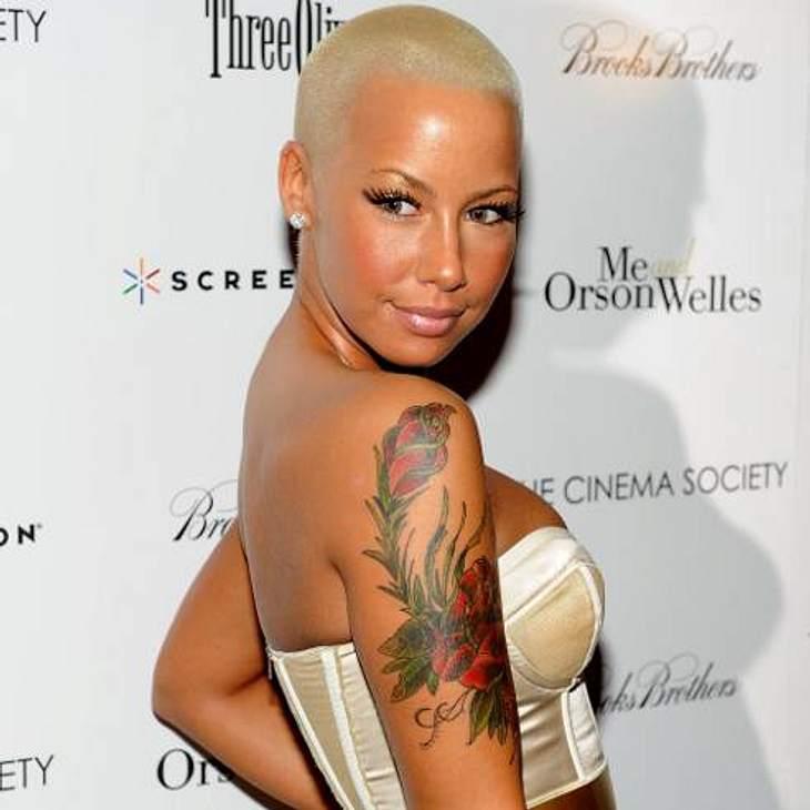 Die Stars fassen sich kurz: Kurzhaarfrisuren liegen voll im Trend!Kurz, kürzer, Amber Rose. Das Model macht es sich pflegeleicht und schneidet sich die Haare richtig kurz.