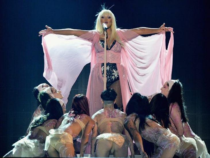 """""""American Music Awards 2012""""Am 18. November 2012 fanden zum 40. Mal die """"American Music Awards"""" statt. In Los Angeles gaben sich die ganz großen Stars die Klinke in die Hand und räumten dazu noch die begehrten Trophäen"""