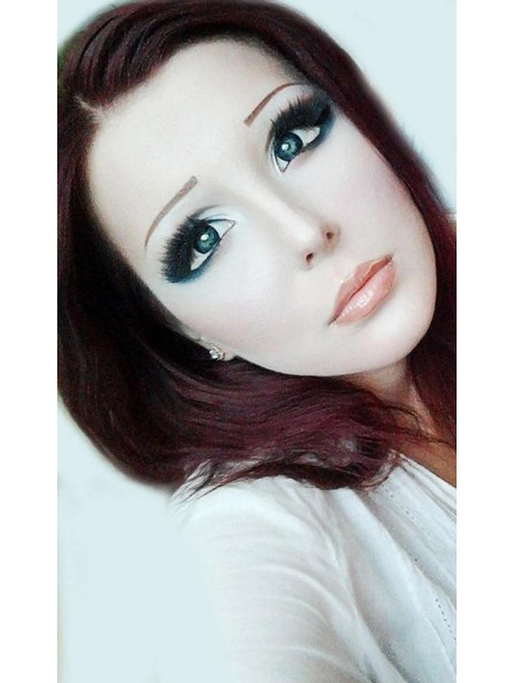 Das fleischgewordene Manga-Mädchen: Anastasiya ShpaginaPerfekte Schönheit oder übertriebener Wahn? Bei Manga-Mädchen Anastasiya Shpagina gehen die Meinungen auseinander.