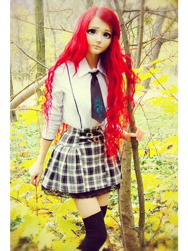 Das fleischgewordene Manga-Mädchen: Anastasiya ShpaginaAber das knallige Rot in den Haaren scheint es ihr mehr angetan zu haben.