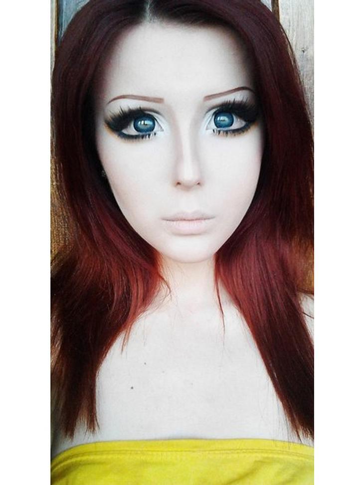 Das fleischgewordene Manga-Mädchen: Anastasiya ShpaginaIhre Haut sieht aus als wäre sie aus Porzellan - so ebenmäßig.