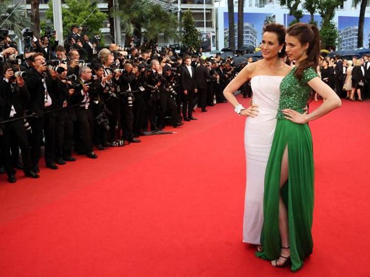 Cannes 2012 Andie MacDowell (54) hat in Cannes immer ihre Tochter Sarah Margaret (16) im Schlepptau. Verständlich, denn so wirkt sie doppelt schön.