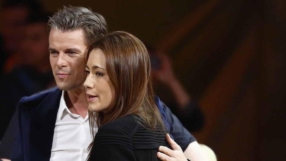 Angela Gessmann stärkt Moderator Markus Lanz den Rücken - Foto: Getty Images