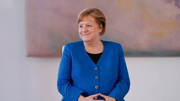 Angela Merkel blickt dem Ende ihrer Amtszeit entgegen - Foto: Imago