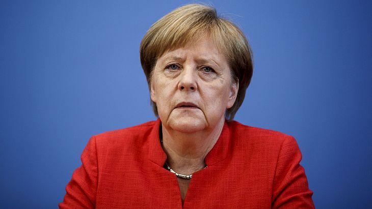 Angela Merkel: Harter Schlag für die Kanzlerin!