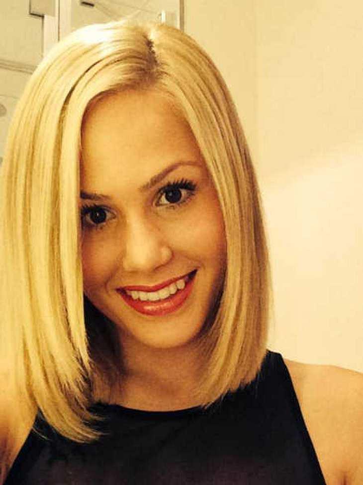 Angelina Heger trauert ihren langen Haaren hinterher