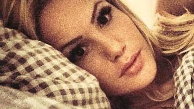 Mit diesem Foto verärgerte Angelina ihre Fans - Foto: Facebook