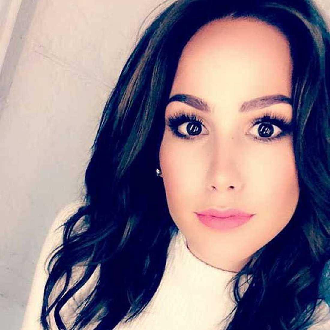 Angelina Heger: Sind ihre Haare schwarz?