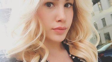 Angelina Heger ist wieder blond - Foto: Instagram/@angelinahegerofficial