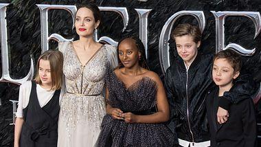 Angelina Jolie und ihre Kinder - Foto: Getty Images