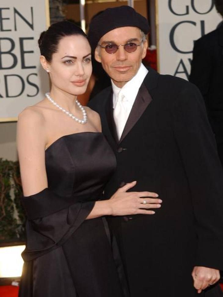 Früh geheiratet, früh geschieden: Hollywoods jüngste BräuteNach ihrer ersten Scheidung wartete Angelina Jolie nur ein Jahr, bis sie den 20 Jahre älteren Schauspieler Billy Bob Thornton (57) heiratete - ebenfalls ein Filmpartner von ihr. Als