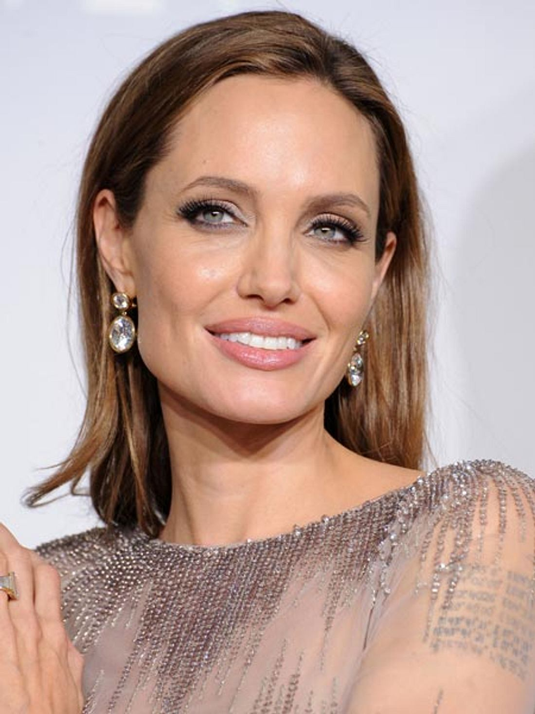 Angelina Jolie wird sich die Gebärmutter und die Eierstöcke entfernen lassen.