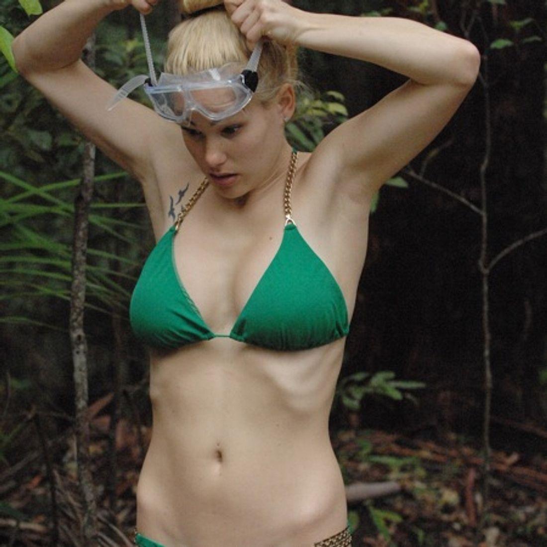 Angelina Heger ist nur noch Haut und Knochen