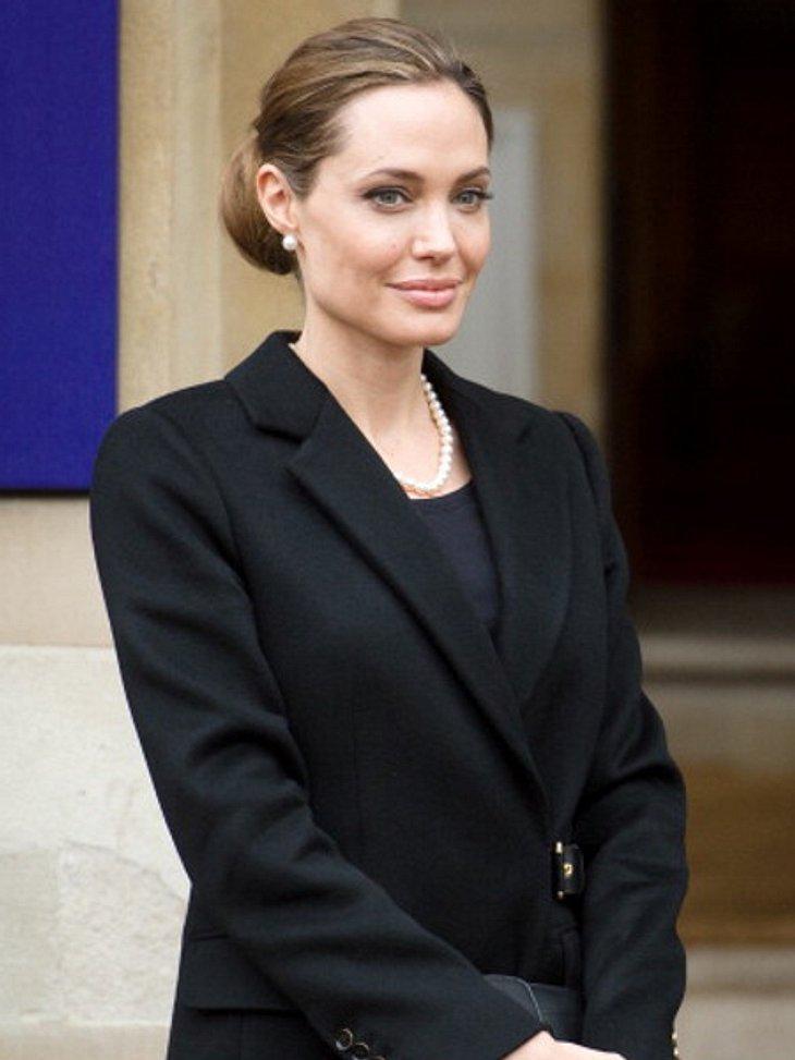 Angelina Jolie wird von der Vorsitzenden des Ethikrates kritisiert.