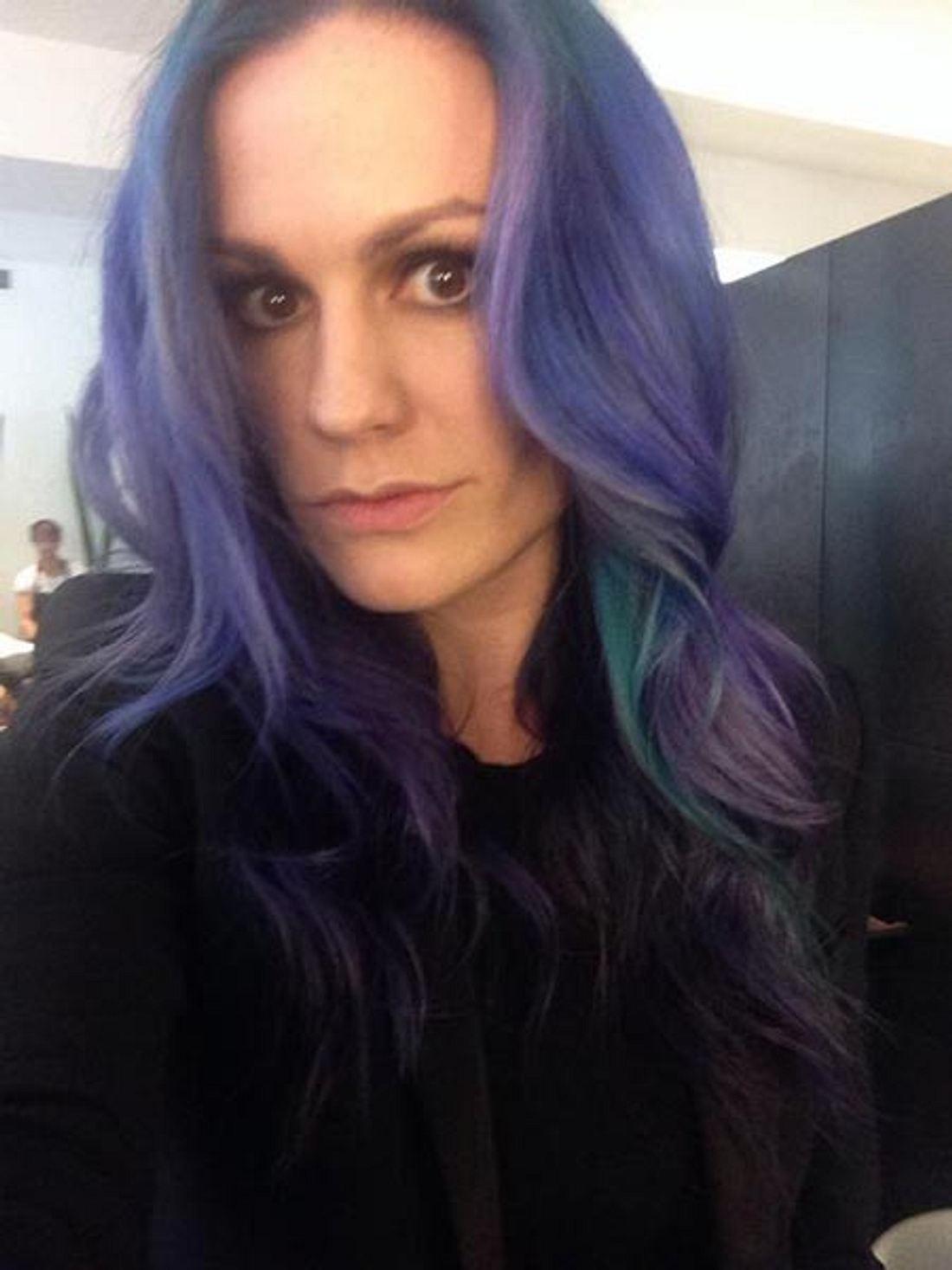 Anna Paquin hat blaue Haare