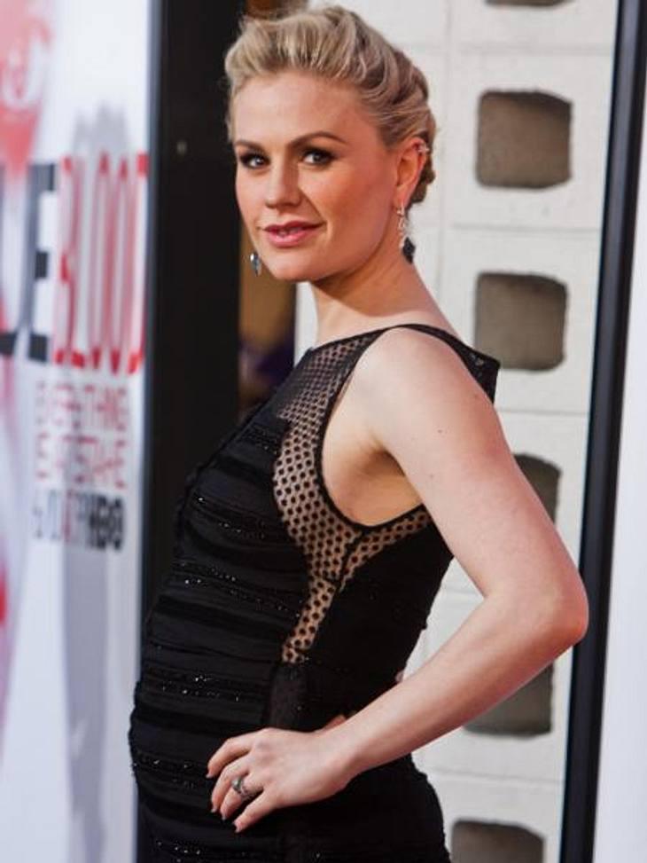 """Vom Kinderstar zum Sex-SymbolHeute kennt man Anna Paquin (29) aus der Vampir-Serie """"True Blood"""". Mit ihrer sexy Zahnlücke hat sie sich zum absoluten Männertraum entwickelt."""