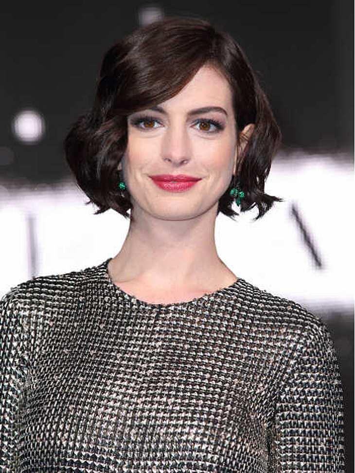 Anne Hathaway: Geschmeichelt von Vergleich mit Amal Clooney