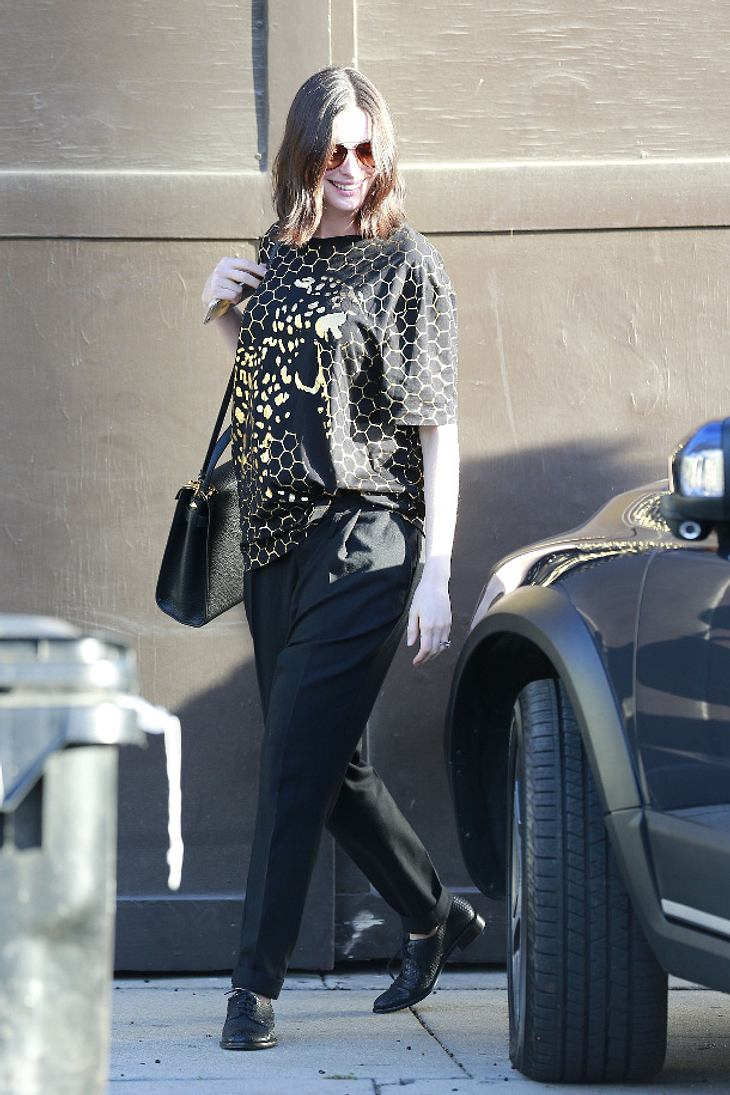 Anne Hathaway in Silver Lake