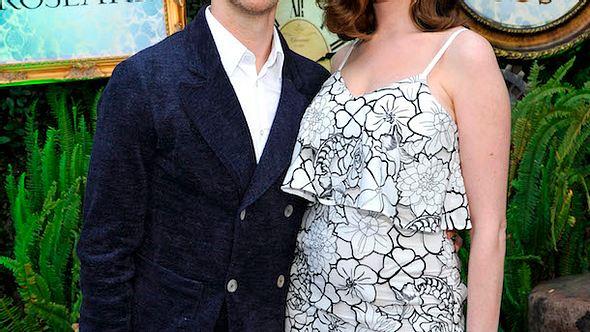 Nach der Geburt: Anne Hathaway rank und schlank auf dem Red Carpet - Foto: Getty Images