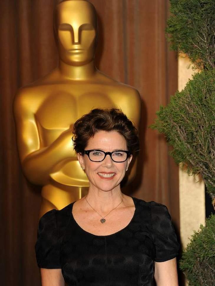 """Oscar-MythenOscar-Mythos Nummer vier: Komödien sind die VerliererNimmt man diesen Mythos ernst, so hat  Annette Bening wohl in diesem Jahr keine Chance auf einen Oscar. Denn sie ist für die Rolle in """"The Kids Are All Right"""" nomini"""