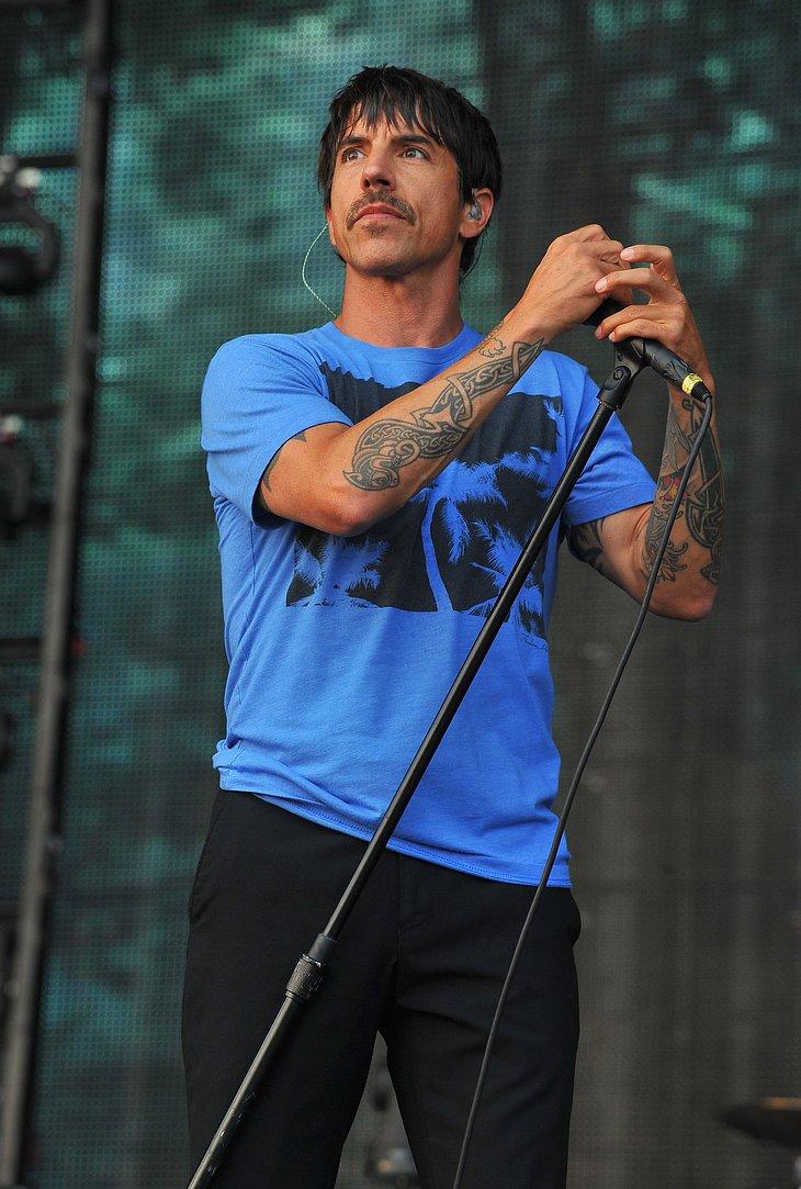 """Anthony Kiedis (50), Sänger der """"Red Hot Chili Peppers"""" gestand 2005 der """"Neon"""": """"Mit elf habe ich angefangen, Kokain zu spritzen und die Freundinnen meines Vaters zu verführen. Was gewiss ein Fehler war. Wenn Sie s"""