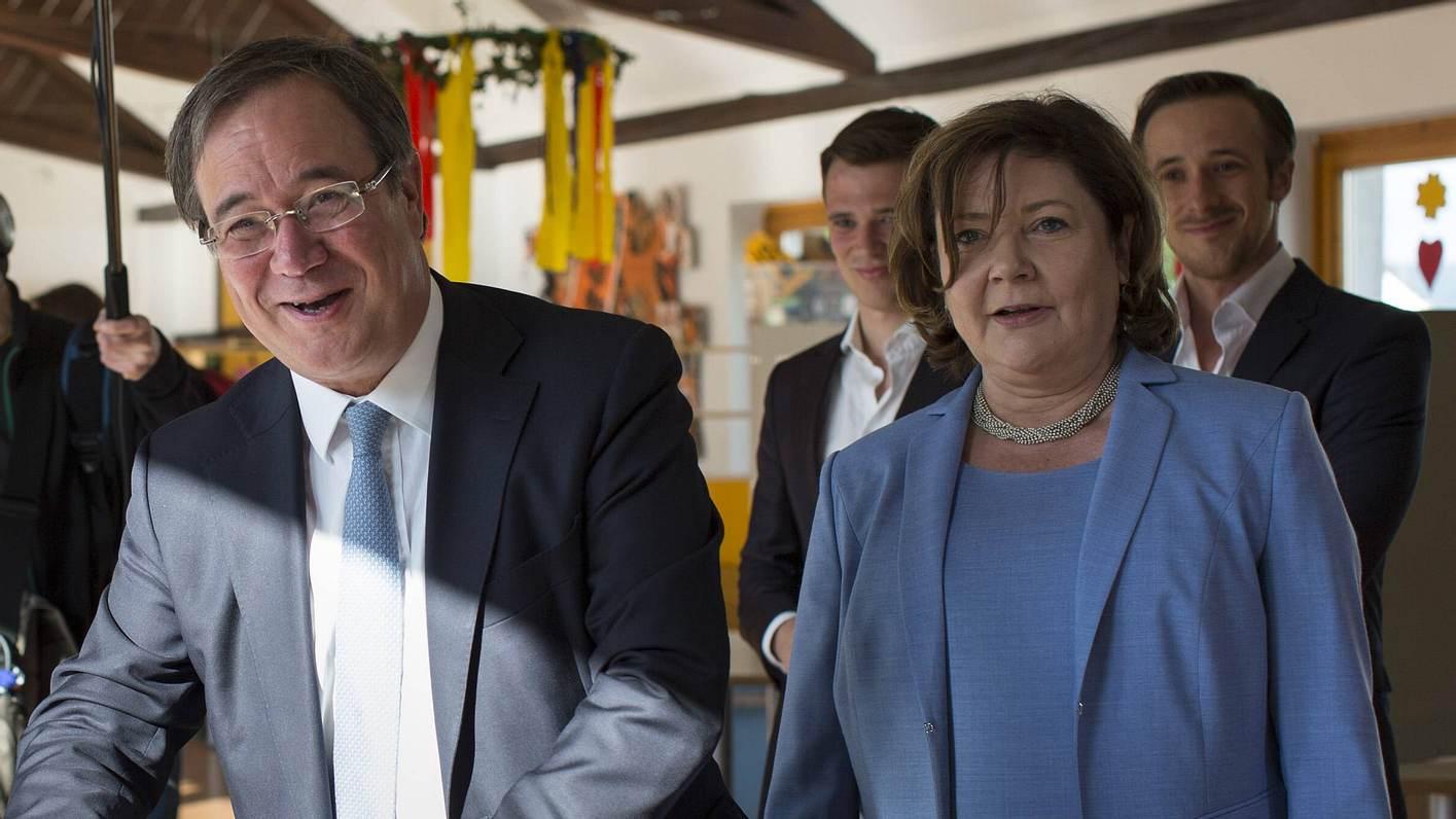 Armin Laschet mit Frau und Söhnen