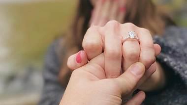 Ashley Greene: Twilight-Beauty ist mit ihrem Freund Paul Khoury verlobt! - Foto: Ashley Greene / Paul Khoury / Instagram