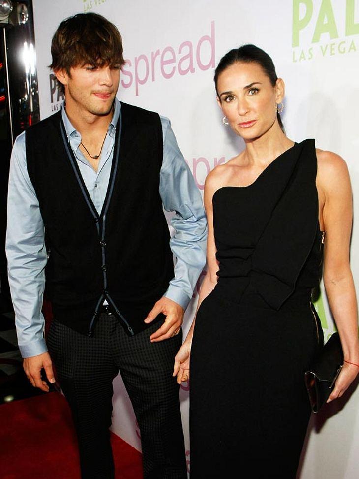 Schrecksekunde für Ashton Kutcher und Demi Moore! In Las Vegas musste ihr Flieger notlanden