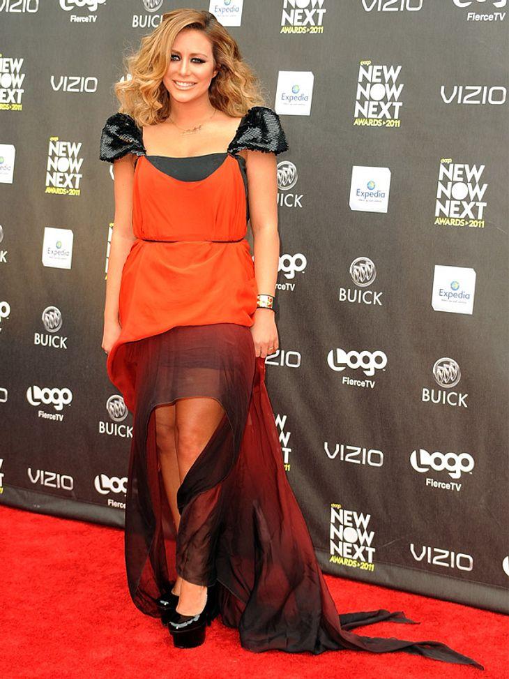 """Star-Style: Die größten Fashion-Fiaskos im AprilKürbis-Klamotte: Als """"Hexe im Kürbis""""-Kostüm hätten wir Aubrey O'Day vielleicht auf unsere Halloween-Party gelassen, mitten im April ist dieses deplatziert!"""