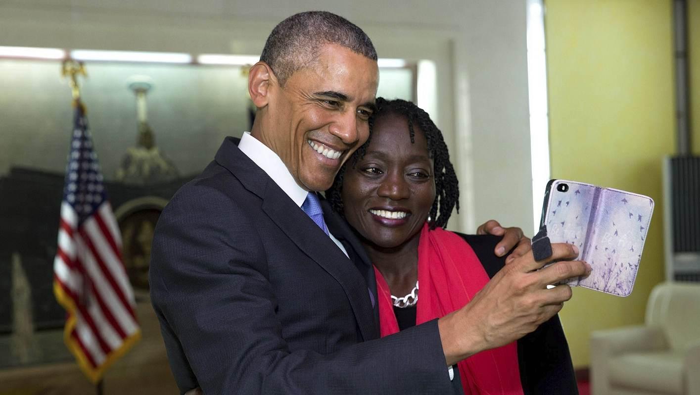 Auma Obama Eltern Mann Kind So Tickt Der Let S Dance Star Intouch