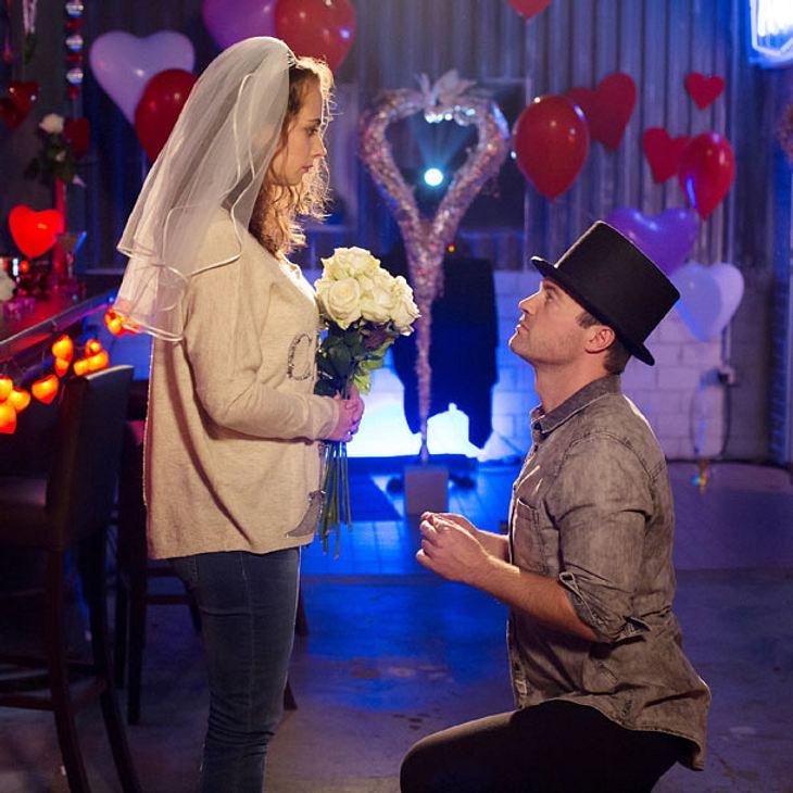 AWZ: Ben macht Carmen einen romantischen Heiratsantrag!